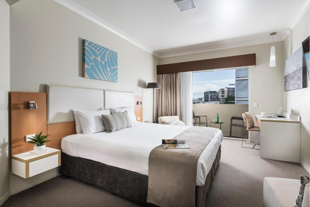 Superb Grand Hotel And Apartments Townsville Australia Booking Com Alphanode Cool Chair Designs And Ideas Alphanodeonline