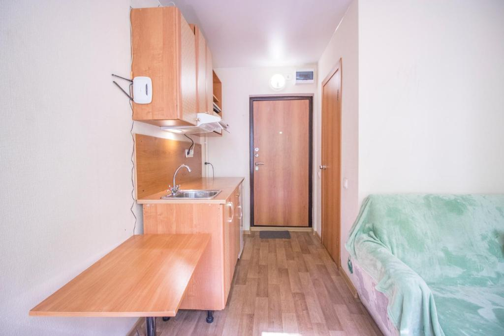A kitchen or kitchenette at Apartment near Rudneva hospital
