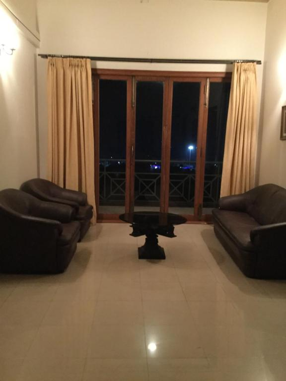 A seating area at Beach View Guest House