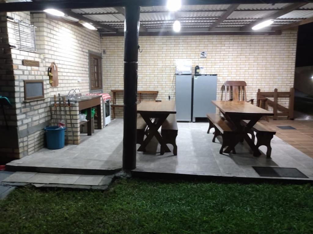 Un restaurante o sitio para comer en Residencial Canto Norte