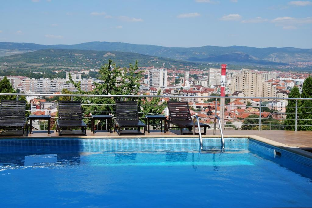The swimming pool at or close to Hotel Aleksandar