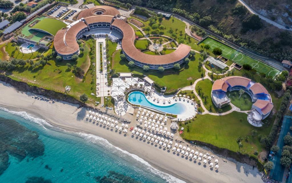Capovaticano Resort Thalasso and Spa - MGallery by Sofitel с высоты птичьего полета