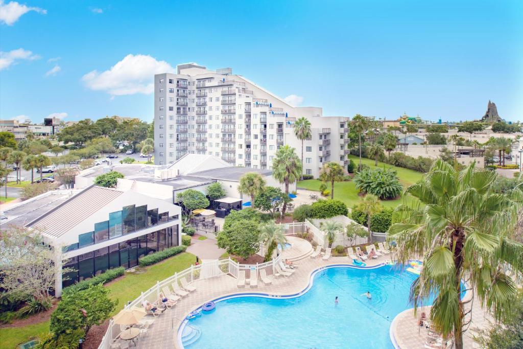 A view of the pool at Enclave Suites, a staySky Hotel & Resort Near Universal or nearby