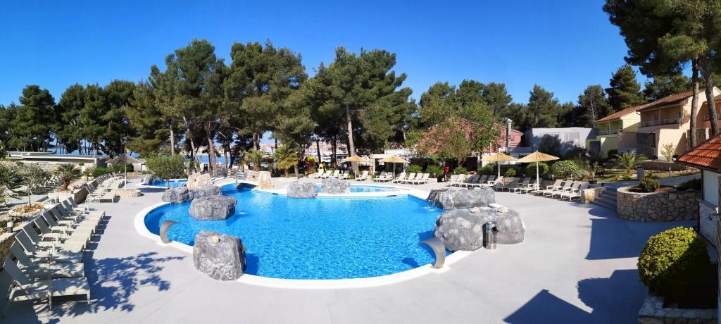 Matilde Beach Resort Croacia Vodice Booking Com