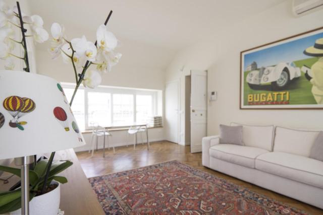 Apartment Hozyhome Duomo Suite In Via San Pietro All Orto