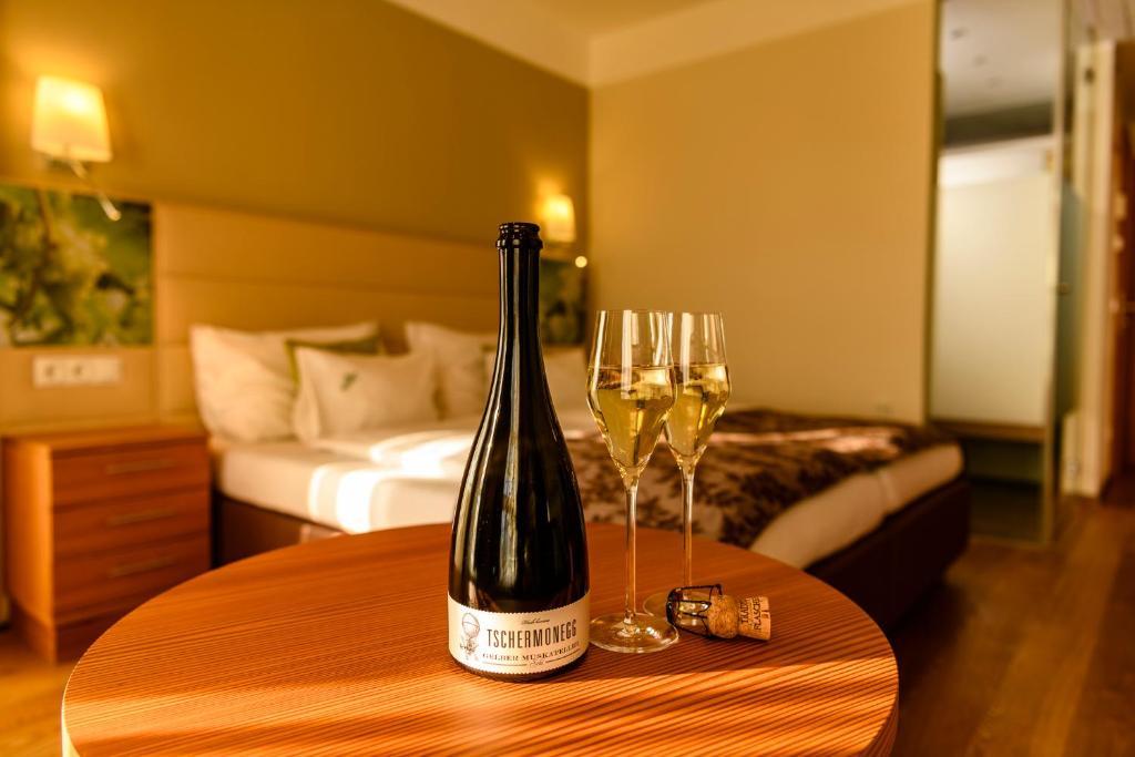 Brachfeld zehneins: Ferienwohnung - Flats for Rent in Sulz