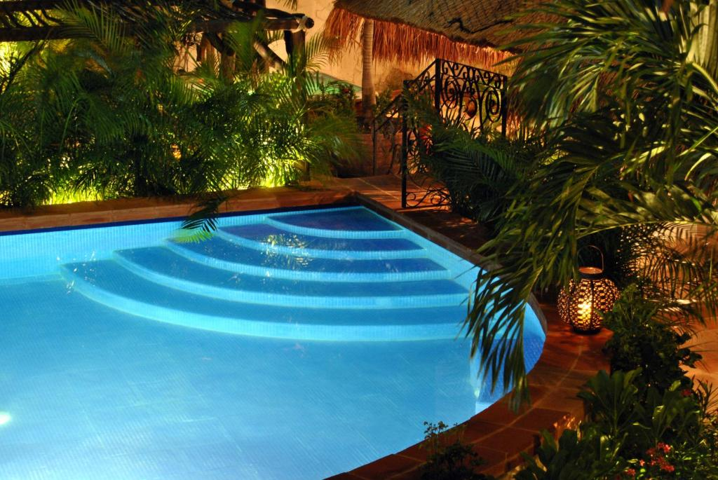 The swimming pool at or close to La Pasion Colonial Hotel Boutique By Bunik