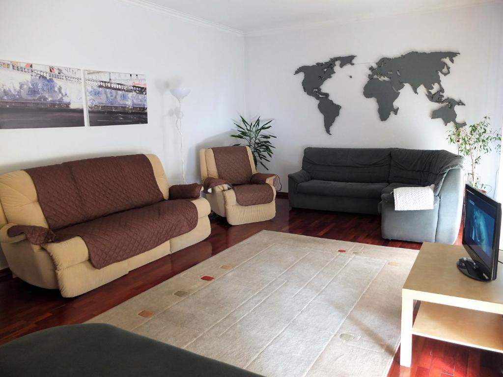 A seating area at House near Fontelo
