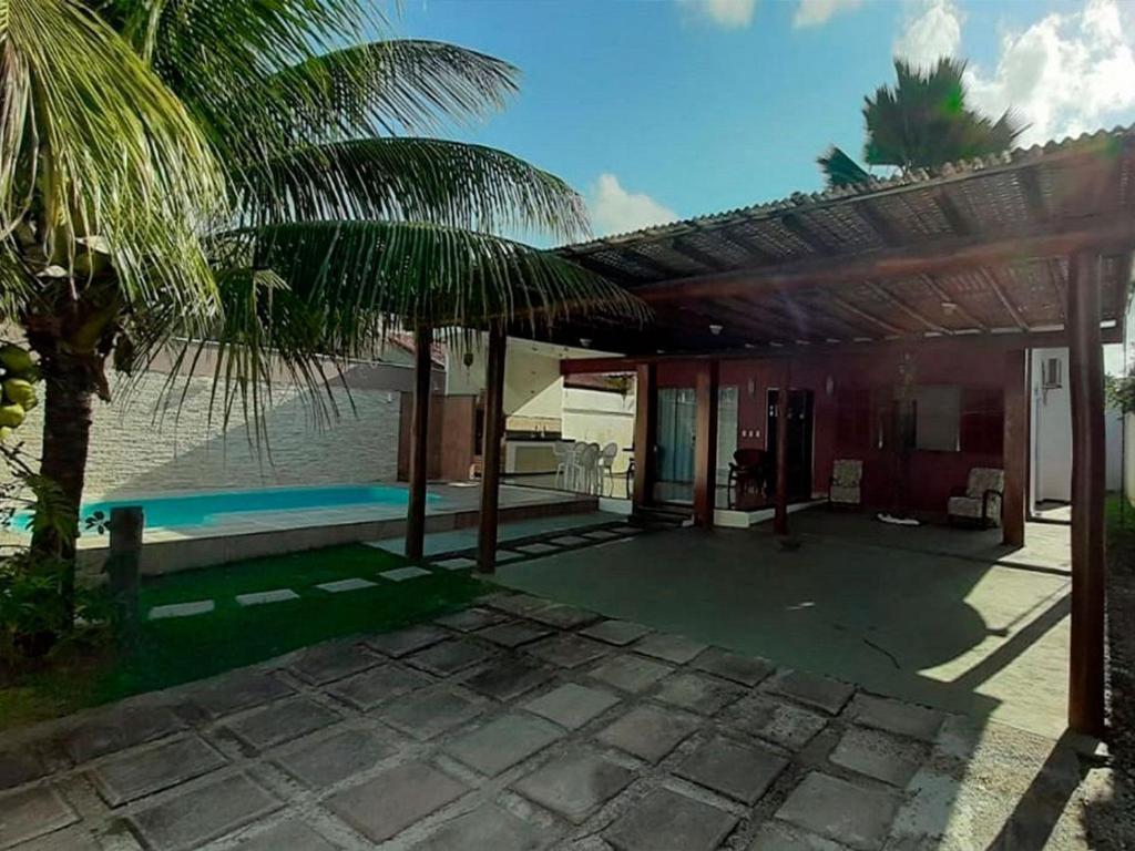 Het zwembad bij of vlak bij Casa Luis