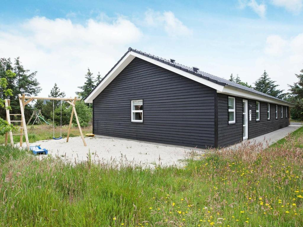 Five-Bedroom Holiday home in Blåvand 30