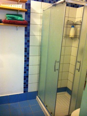 Een badkamer bij Bed & Blintzes