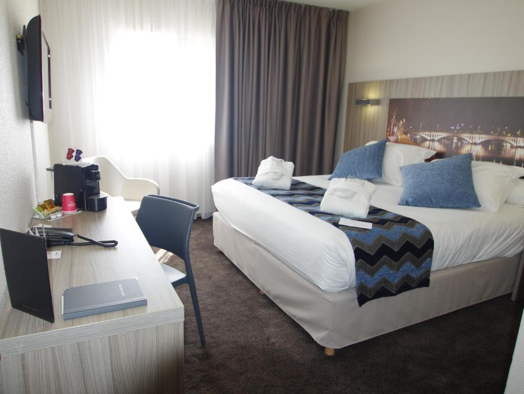 Hotel Saphir Lyon France Booking Com