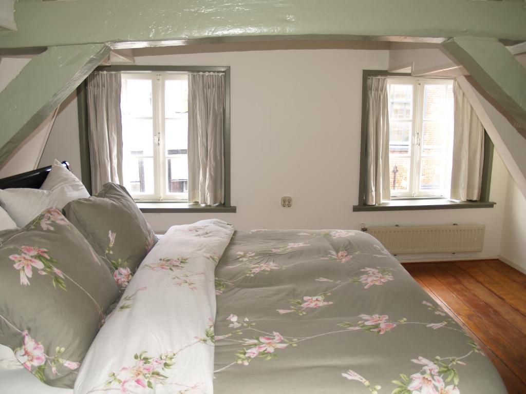 Un ou plusieurs lits dans un hébergement de l'établissement Pearl of the Hague