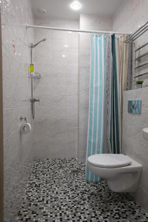 Четырехместный номер с душем: фотография номер 5