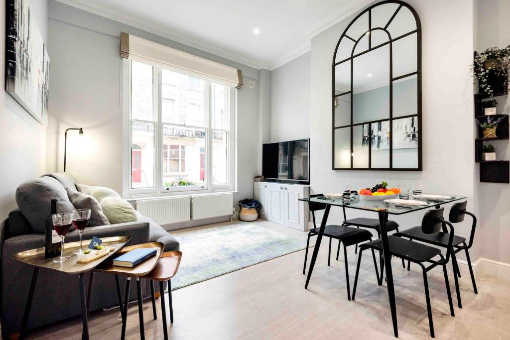 Bright And Modern Bayswater Apartment