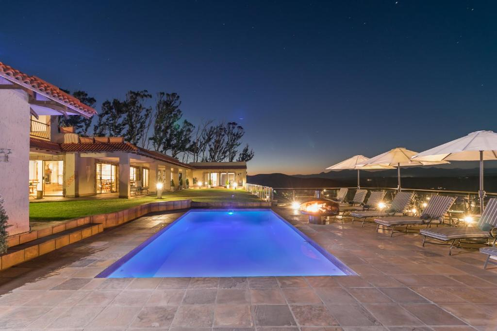 The swimming pool at or close to Villa Castollini