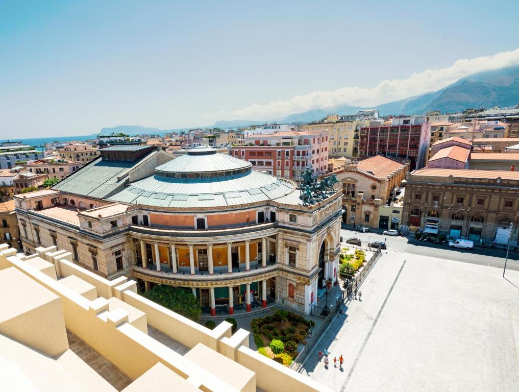 A bird's-eye view of Hotel Politeama