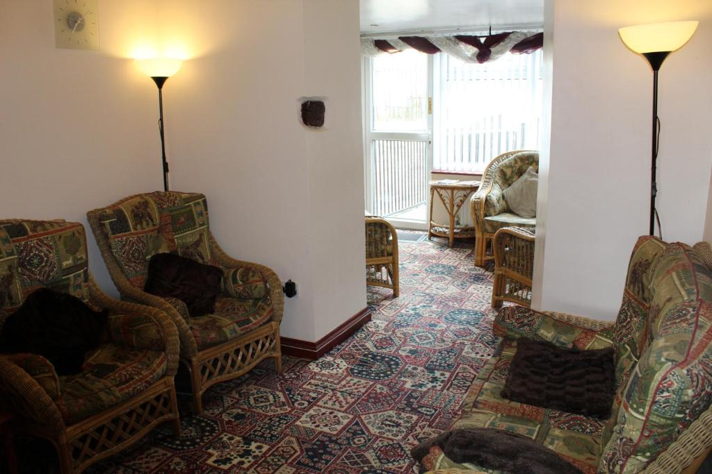 A seating area at Peakdale Lodge