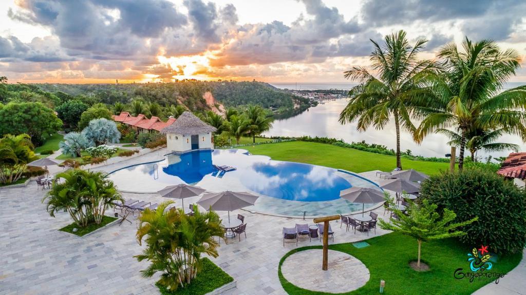 Uma vista da piscina em Gungaporanga Hotel ou nos arredores