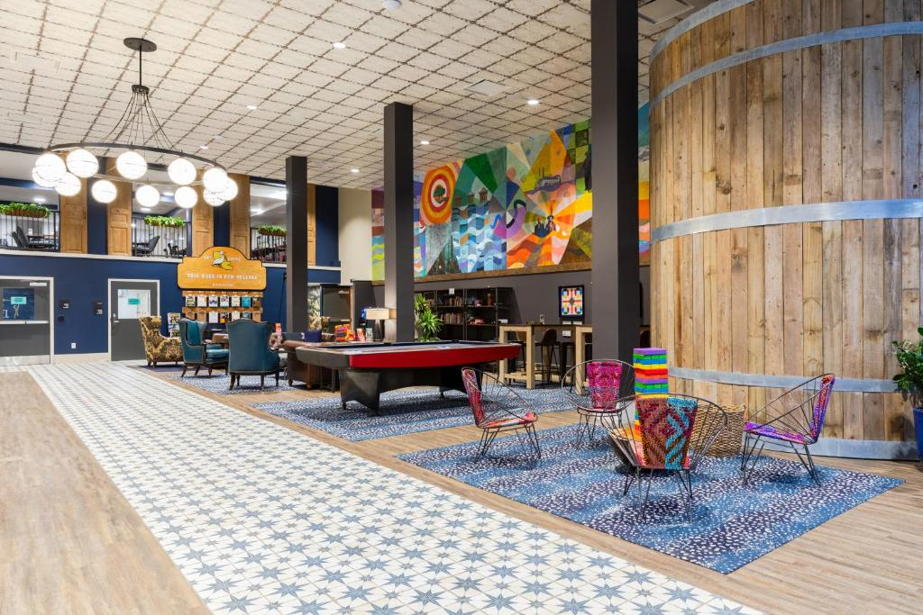 The lobby or reception area at HI New Orleans Hostel