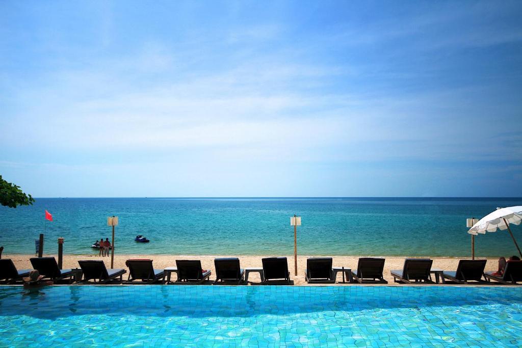 Der Swimmingpool an oder in der Nähe von Lamai Wanta Beach Resort