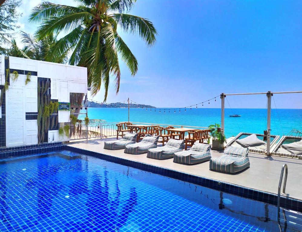 Piscina di Rich Resort Beachside Hotel o nelle vicinanze