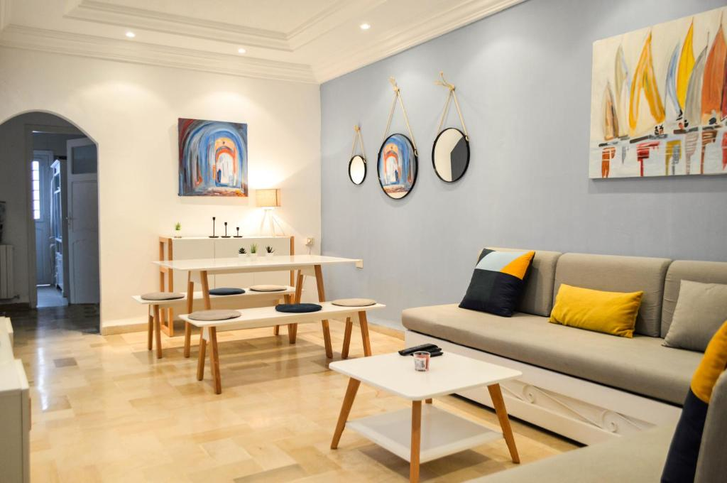 Cosy apartment @ La marsa Corniche-Beach