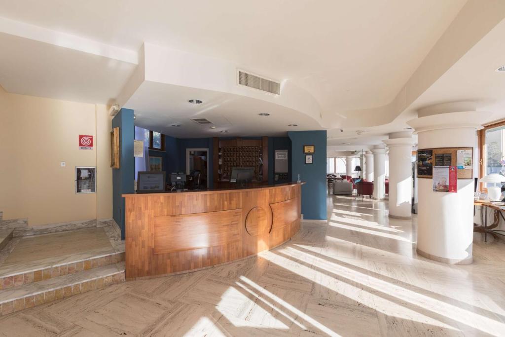 Hotel Best Western La Baia Bari Italy Booking Com