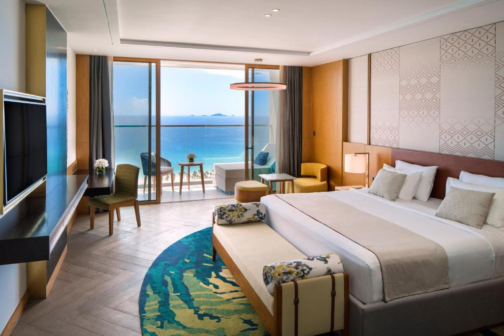 Phòng Superior có giường cỡ king nhìn ra biển