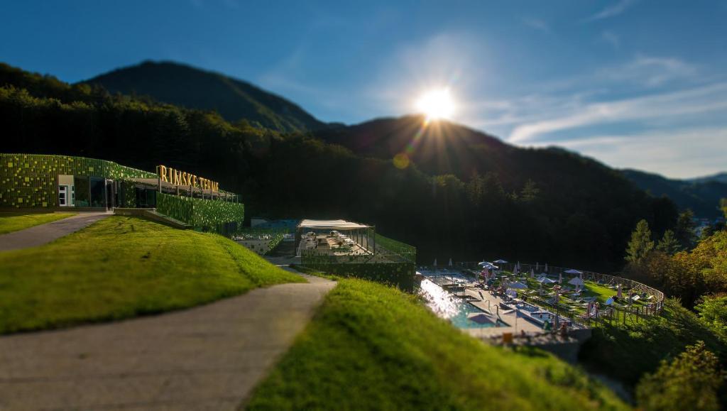 Skats uz naktsmītni Rimske Terme Resort no putna lidojuma