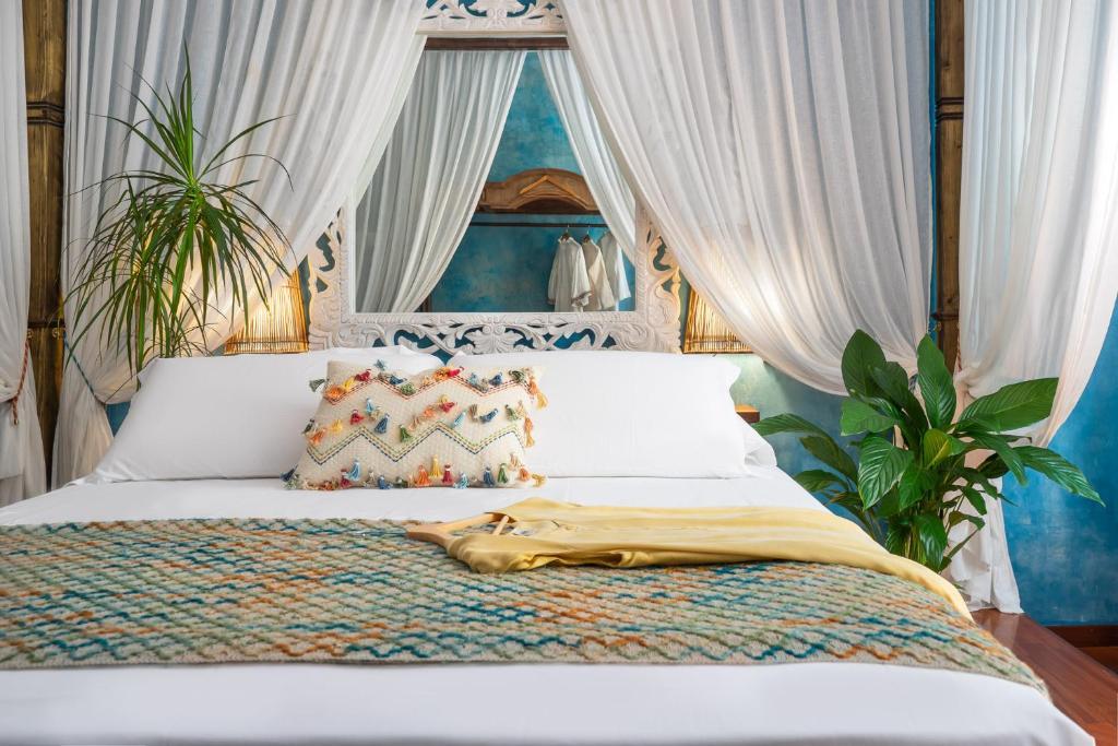 Кровать или кровати в номере FuordArno Bed & Breakfast