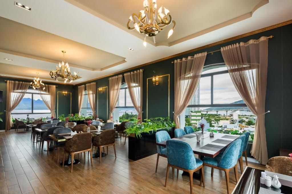 A restaurant or other place to eat at Lupin Boutique Hotel
