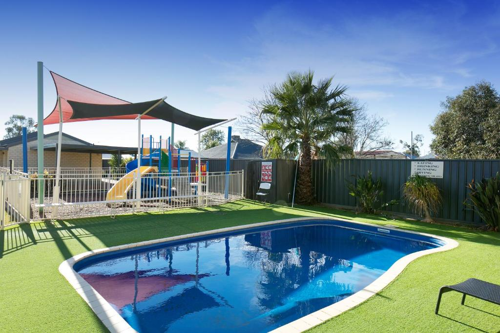 Kennedy Holiday Resort Mulwala Australia Booking Com