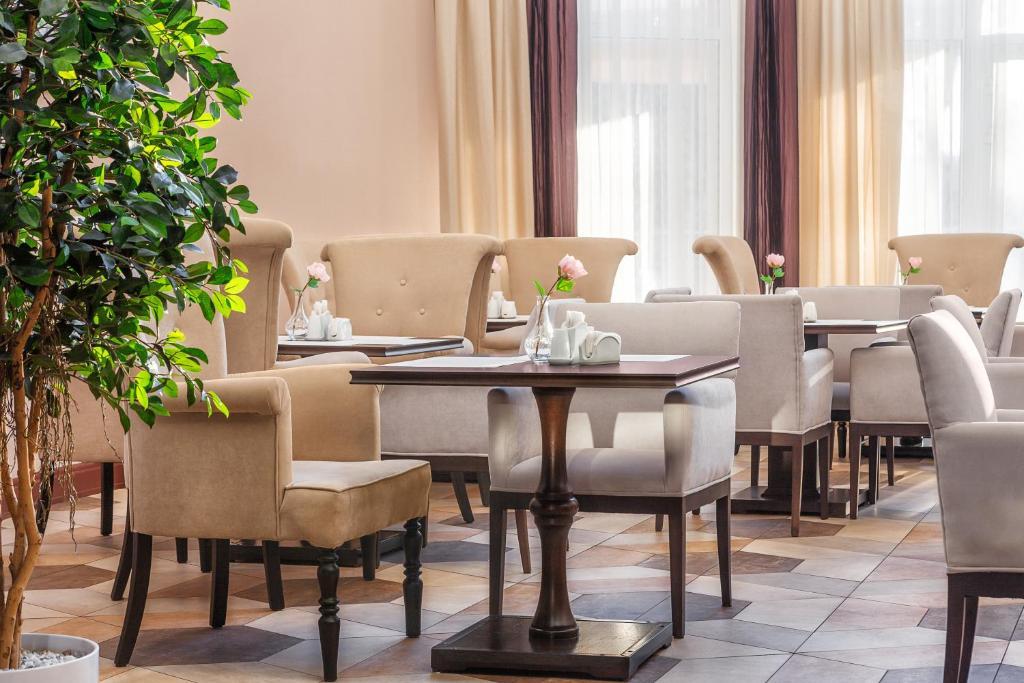 Ресторан / где поесть в Отель Минин на улице Пожарского