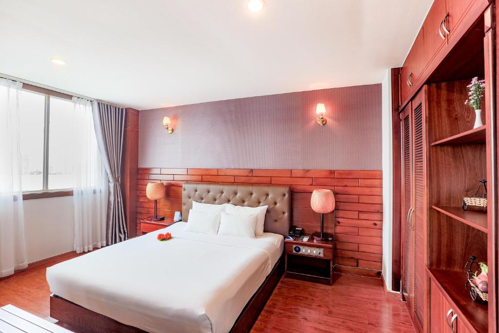Asian Ruby Park View Hotel