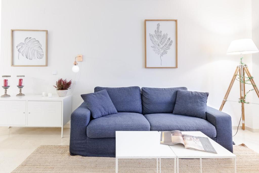 A seating area at Apartamento Pajaritos