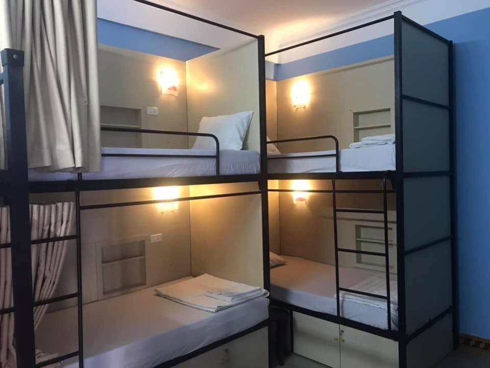 Giường trong Phòng ngủ tập thể 6 Người