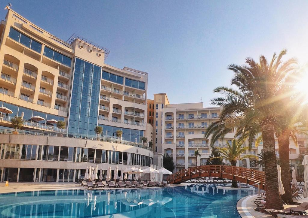 Бассейн в Splendid Conference & Spa Resort или поблизости