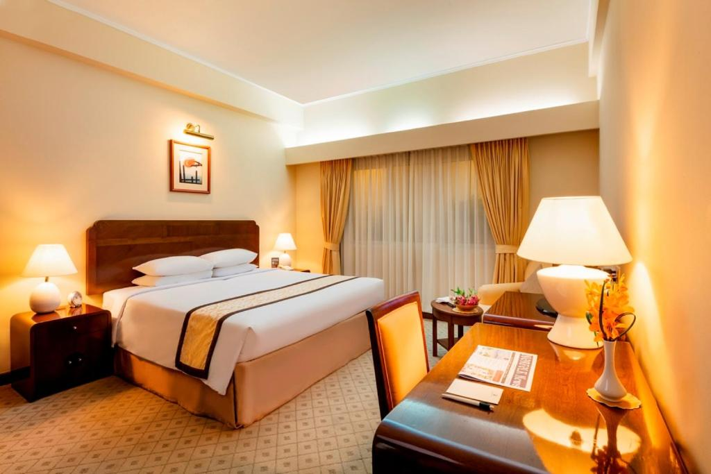 Phòng Deluxe Signature Có Giường Cỡ King