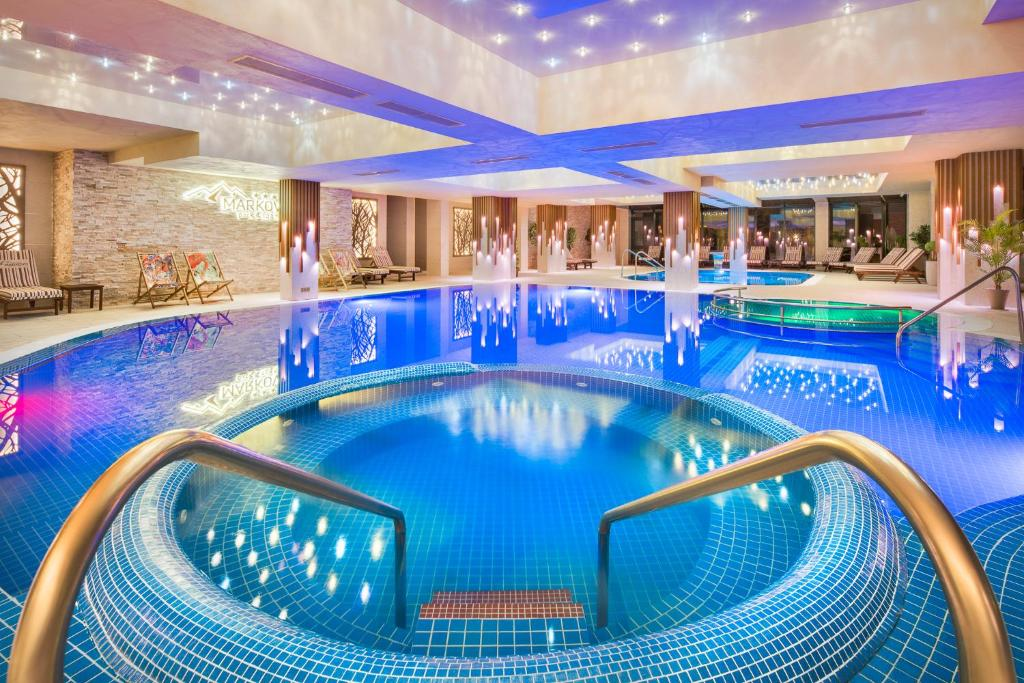 The swimming pool at or close to Park & Spa Hotel Markovo