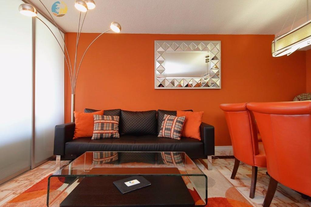 A seating area at MA3201 Beachfront Luxury 3 bed 2 bath Miami Beach Condo
