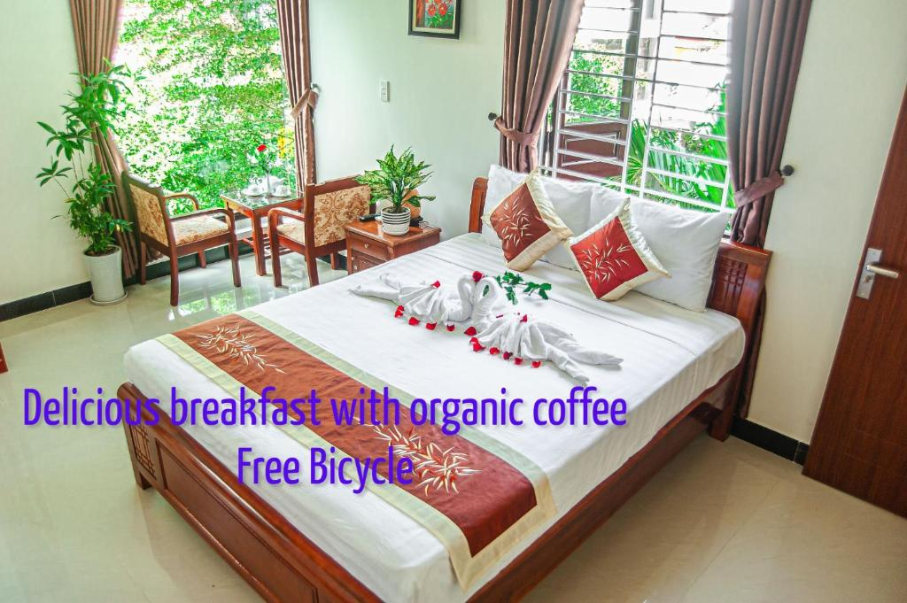 A bed or beds in a room at Golden Soulmate homestay