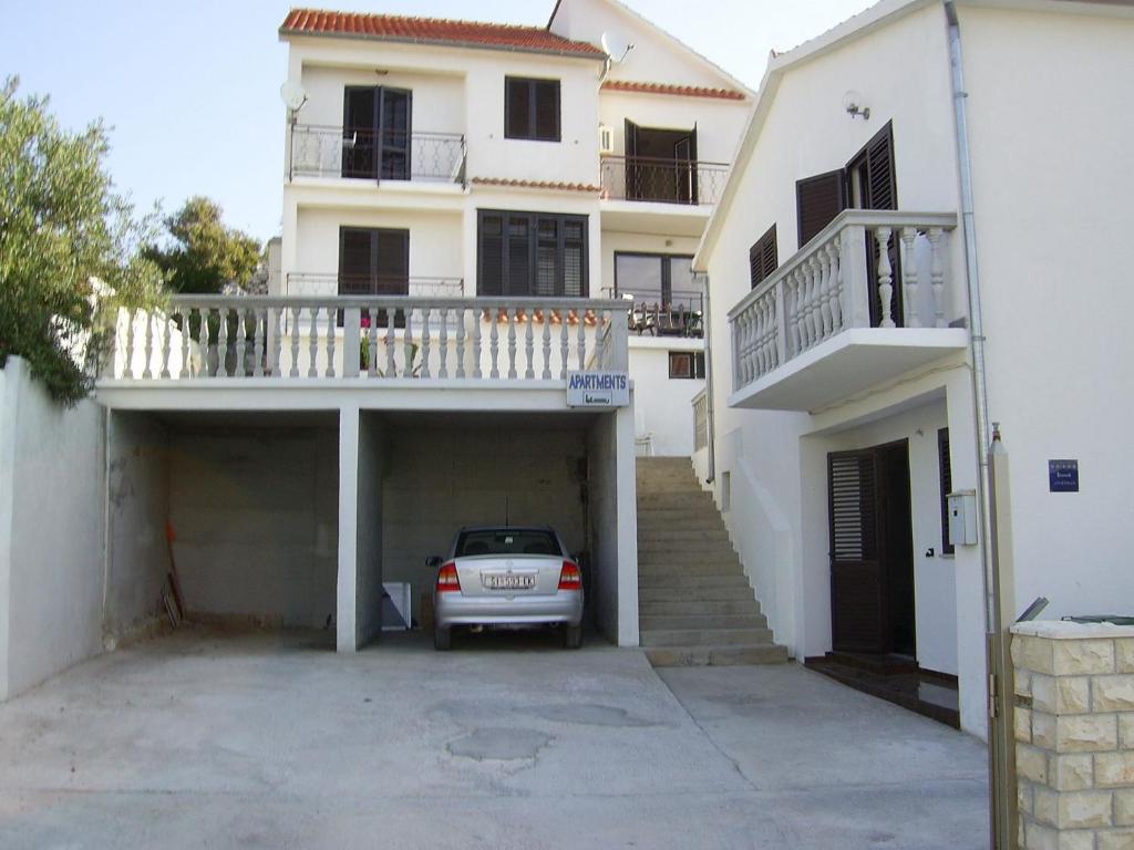 Bogo Car Deals >> Apartments Bogo Jezera Croatia Booking Com