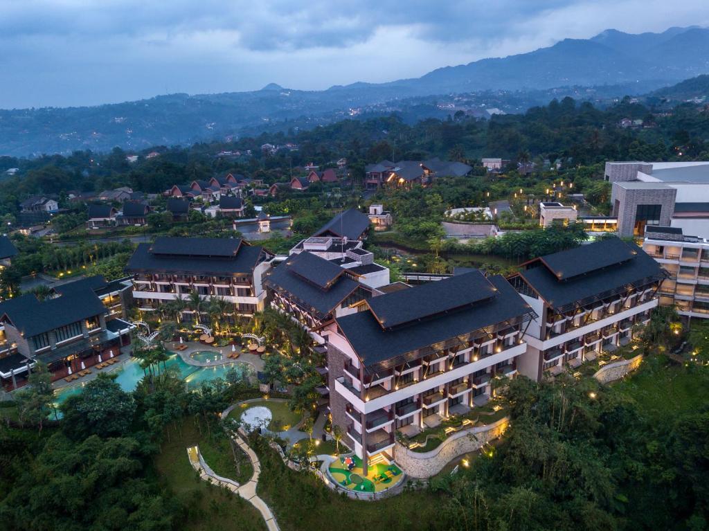 A bird's-eye view of Pullman Ciawi Vimala Hills Resort