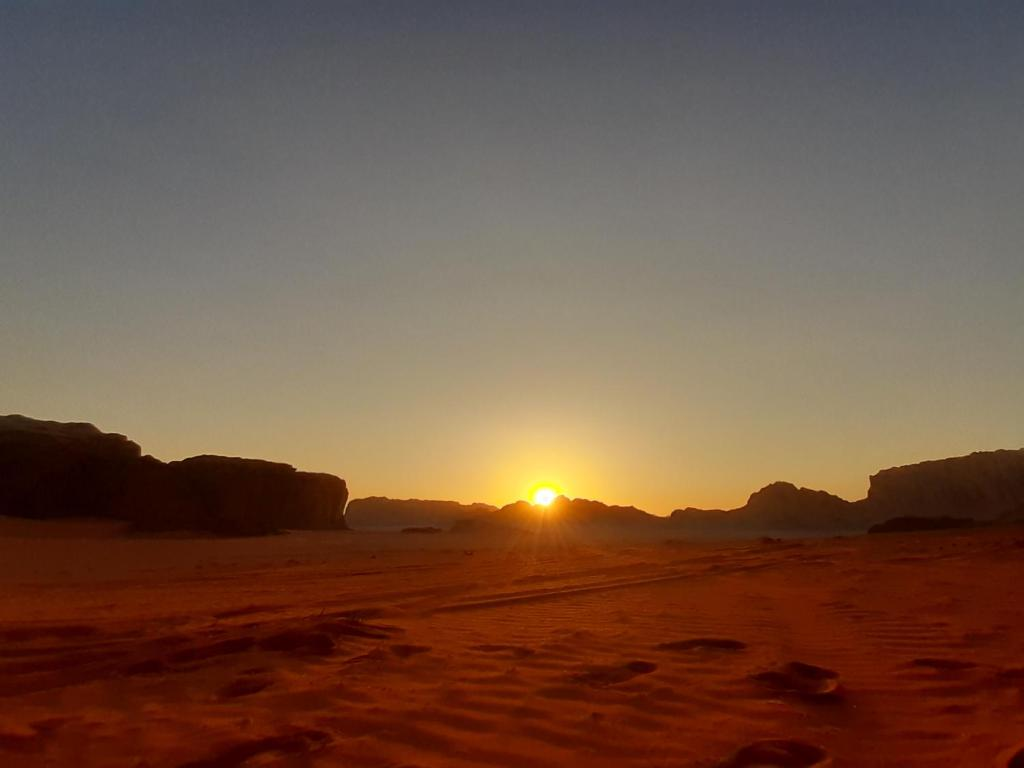 good looking website for discount order online wadi rum stars tour with camping, Wadi Rum, Jordan - Booking.com