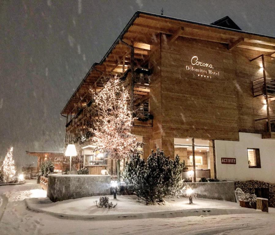 Corona Dolomites Hotel durante l'inverno