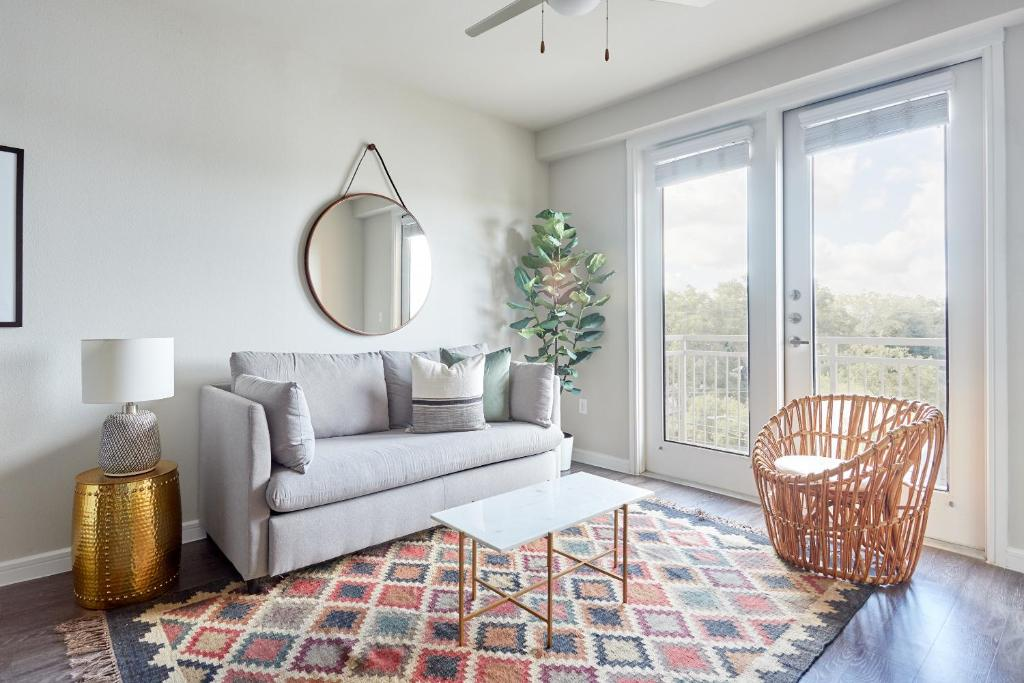 A seating area at Sonder — Southtown Apartments