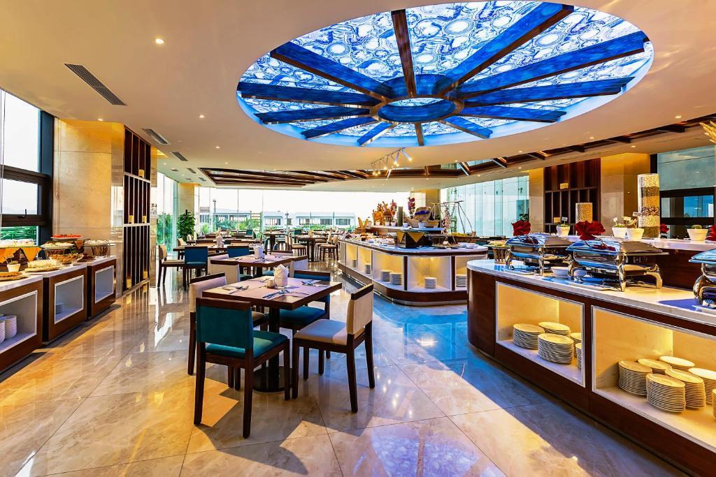 Nhà hàng/khu ăn uống khác tại MAXIMILAN DANANG BEACH HOTEL