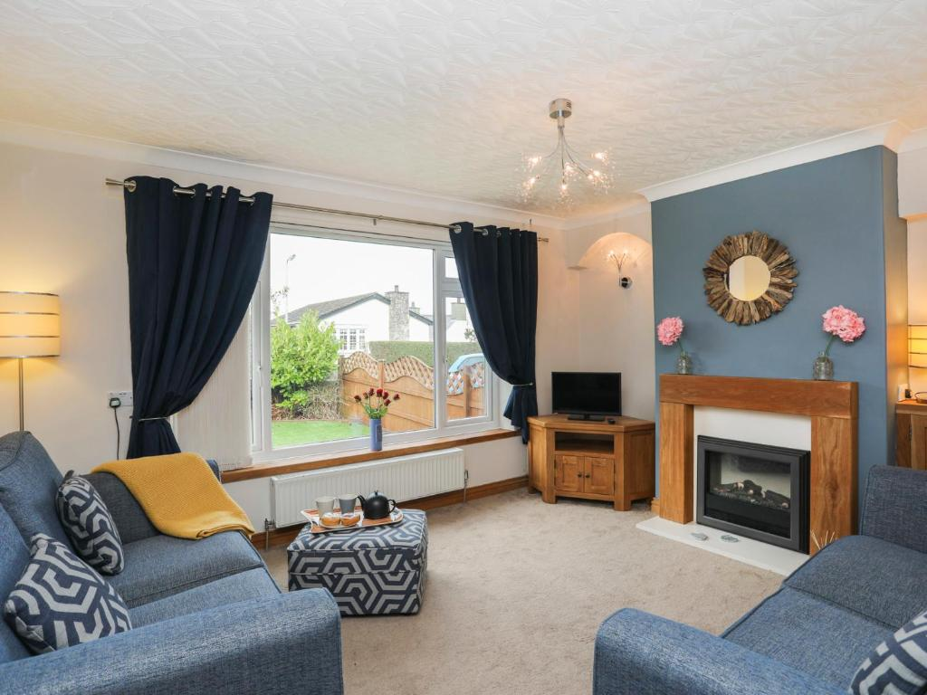 A seating area at Bay View - Benllech