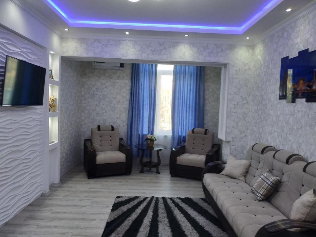 A seating area at Apartment Vokzal